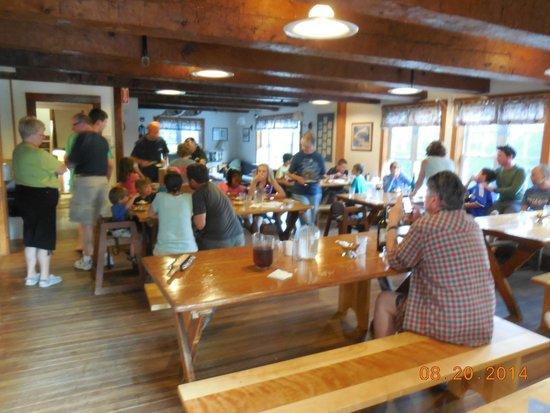 AMC Cardigan Lodge: Dining Room