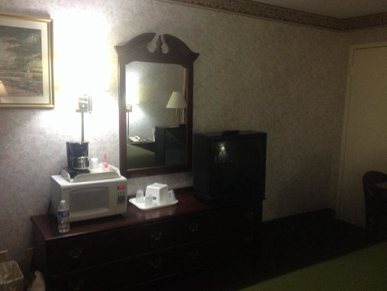 Chambersburg Travelodge: Spacious room