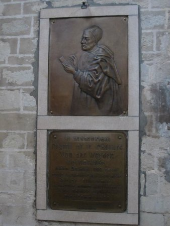 Cathédrale Saints-Michel-et-Gudule de Bruxelles : A plaque for Rogier va der Weyden