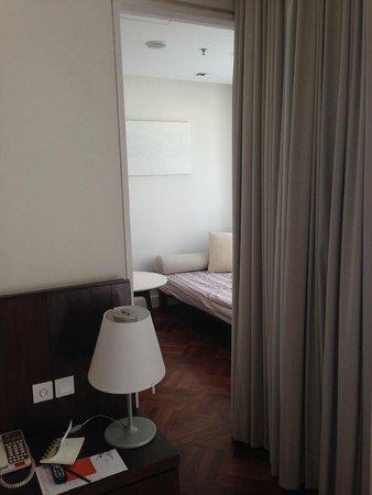 Lone Pine Hotel : Spare Room