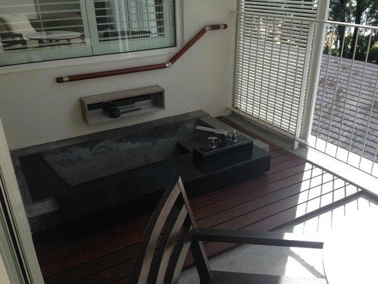 Lone Pine Hotel : Balcony Plunge Pool