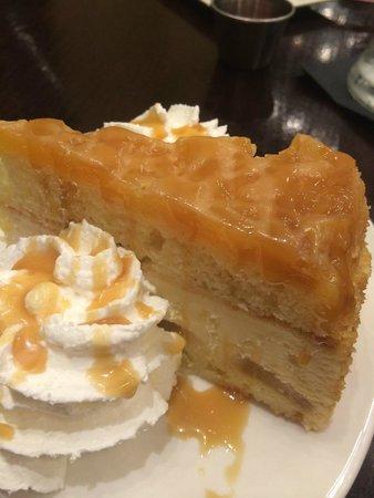 Pineapple Upside Down cake: fotografía de Terrace Cafe, Charlotte ...