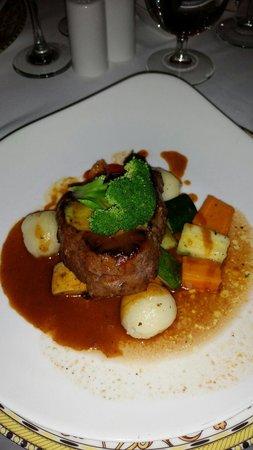 Sandals Ochi Beach Resort: Dinner