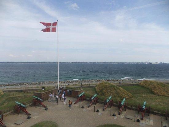 Kronborg Castle: 対岸はスウェーデン