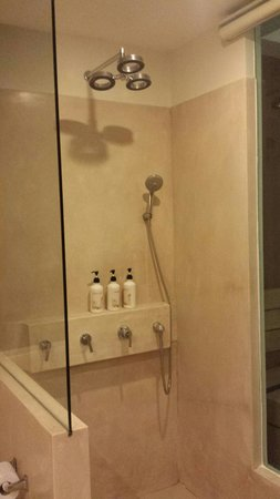 The Small, Krabi: Modern shower amenities but with no door or curtain to prevent water from splashing out