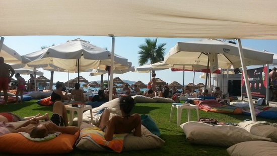 Bueno Beach Club