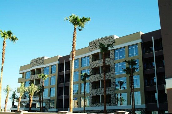 Staybridge Suites Las Vegas: Hotel Exterior