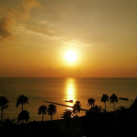 Sunrise Beach Hotel: Sunrise