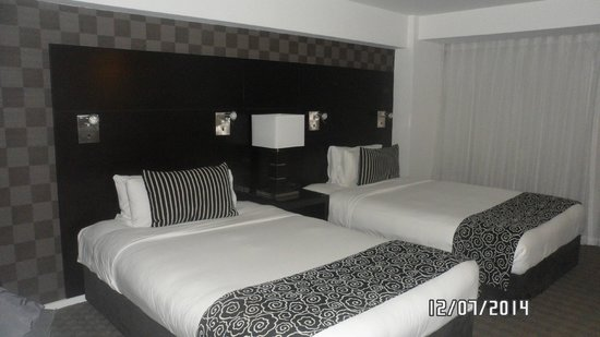 Amora Hotel Wellington: Clean and comfortable, big beds
