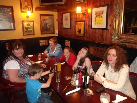Crockets on the Quay: Fun Evening