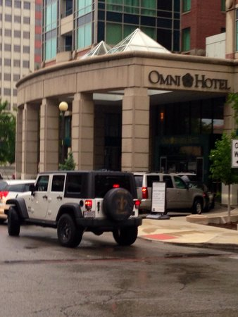 Omni Severin Hotel: Front of hotel