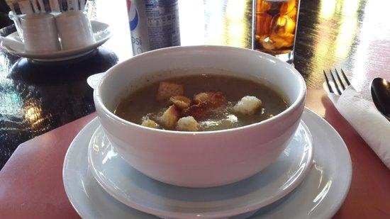 Pestana Carlton Madeira: Soup at the Pub
