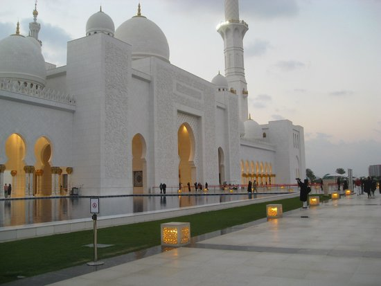 Mosquée Cheikh Zayed : внешний фасад