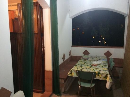 B&B Villa il Roseto: Portico o verandina come da recensione... :-)
