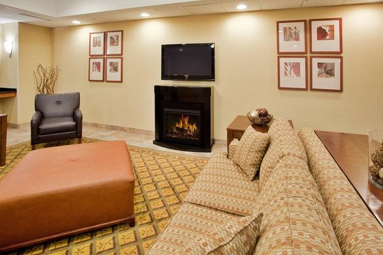 Candlewood Suites Richmond Airport : Hotel Lobby