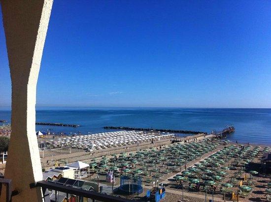 Ambasciatori Hotel: vista dalla camera fronte mare