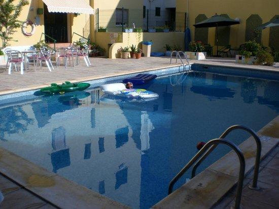Hostal Valencia : Zona piscina