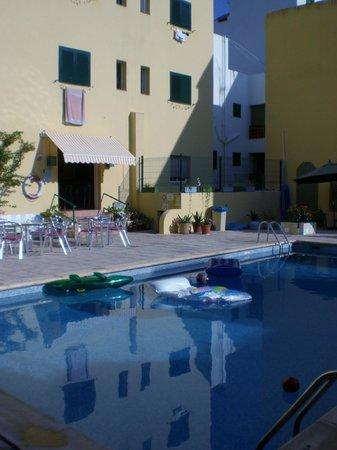 Hostal Valencia: Zona piscina