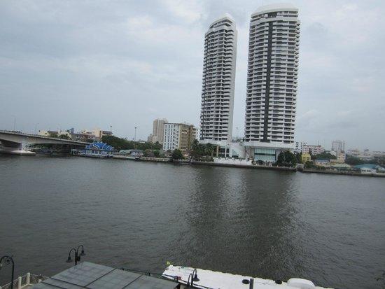 Riva Surya Bangkok: Looking south