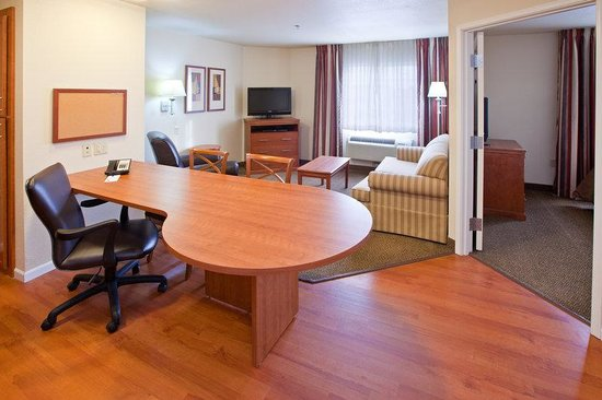 Candlewood Suites Springfield: One Bedroom Suite