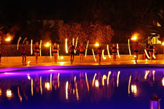 Aldemar Royal Mare Thalasso Resort : We are young and need the money