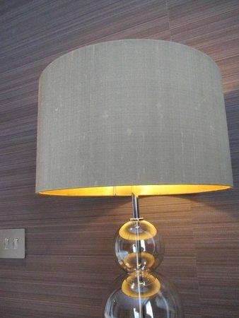 The Kingsley : LAMPADA IN CAMERA