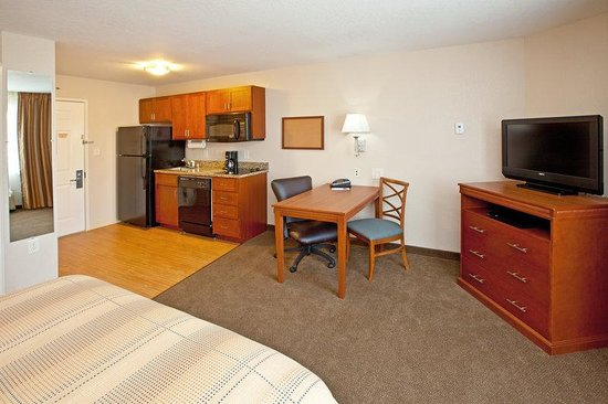 Candlewood Suites Lexington: In-Room Dining
