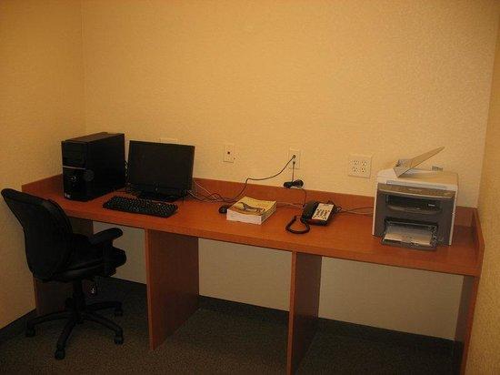 Candlewood Suites Lexington: Business Center - Open 24 hours