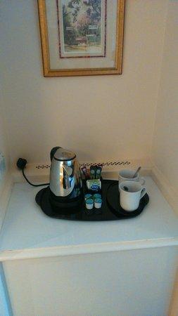 Holiday Inn Chester South: tea making facilities