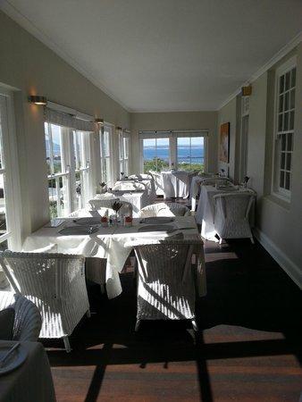 Ocean Eleven Guesthouse: breakfast area