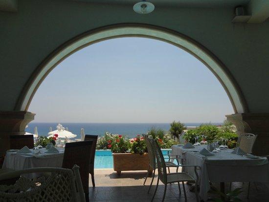Atrium Prestige Thalasso Spa Resort and Villas: vue du restaurant au rez de chaussée