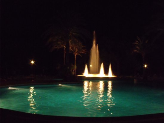 Exagon Park: The pool area at night