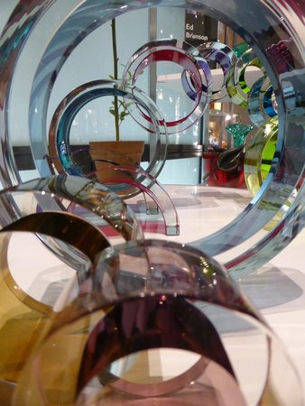 Corning Museum of Glass: convoluting circles