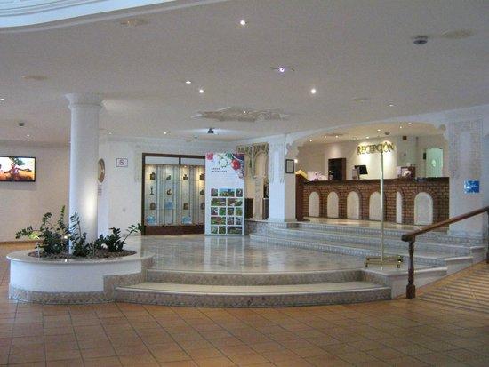 Santa Barbara Golf & Ocean Club: Reception area