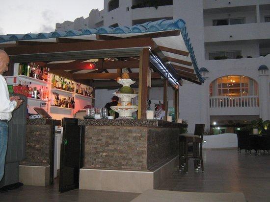 Santa Barbara Golf & Ocean Club: Ocean Breeze Bar