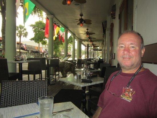 Riverside Hotel : Me, enjoying my breakfast.