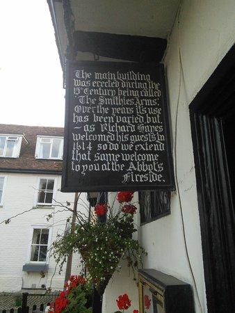 Abbot's Fireside Restaurant : sign at entrance