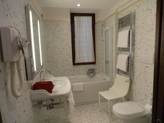 Liassidi Palace Hotel : Baño perfecto
