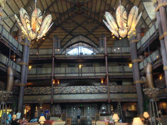 Disney's Animal Kingdom Lodge : Hotel Lobby