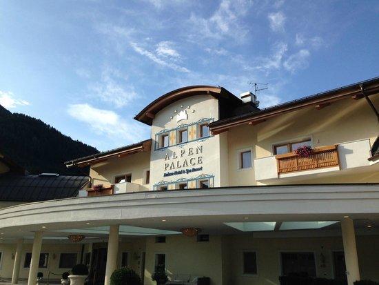 Alpenpalace Deluxe Hotel & Spa: ingresso