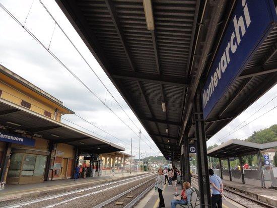 Montevarchi, Italia: モンテヴァルキ駅