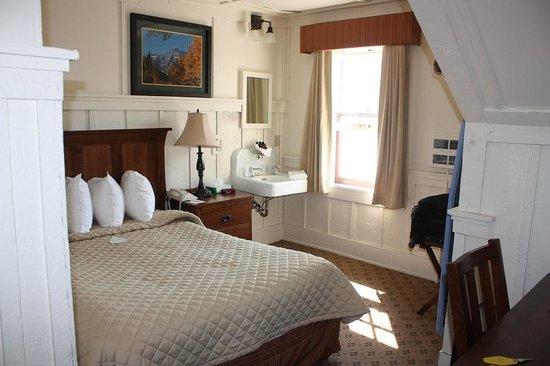 Many Glacier Hotel : Many Glacier room - tiny but a lake view