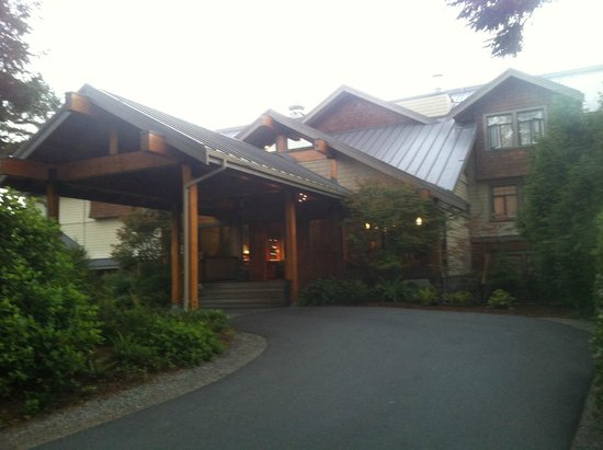Long Beach Lodge Resort: Front of hotel