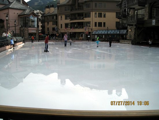 Beaver Creek Ski Area: Ice Skating Rink