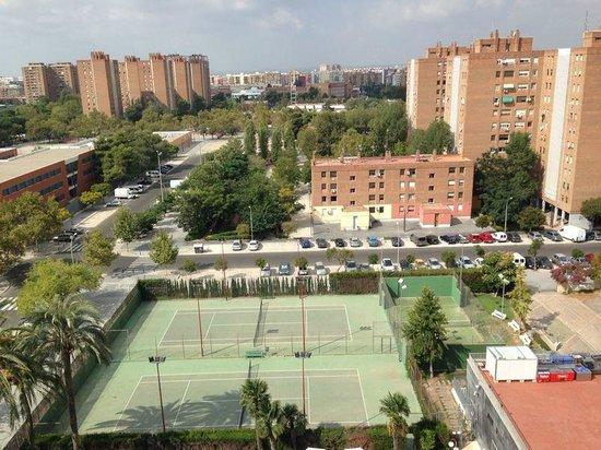 Hotel Medium Valencia: Vista camera 8° Piano - Campi da gioco