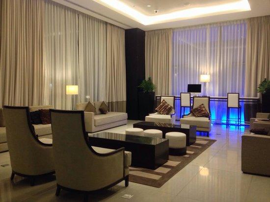 Seda Abreeza Davao: The lobby