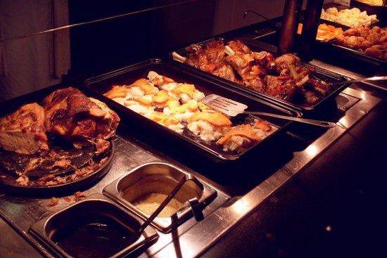 Killarney Towers Hotel & Leisure Centre: Food-aplooza