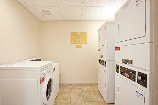 Candlewood Suites Santa Maria: Laundry Facility