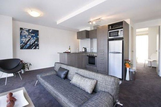 Bianco off Queen : Two Bedroom Superior Lounge