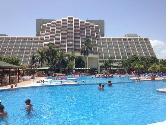 Blau Varadero Hotel Cuba: Pools and hotel